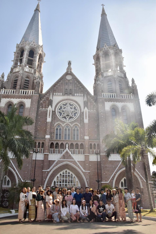 重庆法商教育培训学校开展2020年迎新年赴国外旅游联谊活动